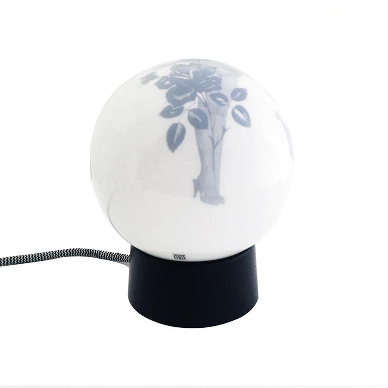 glazen badkamer lamp met een pin-up