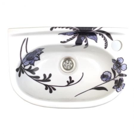 vintage fonteintje met design van blauwe bloemen door Esther Derkx