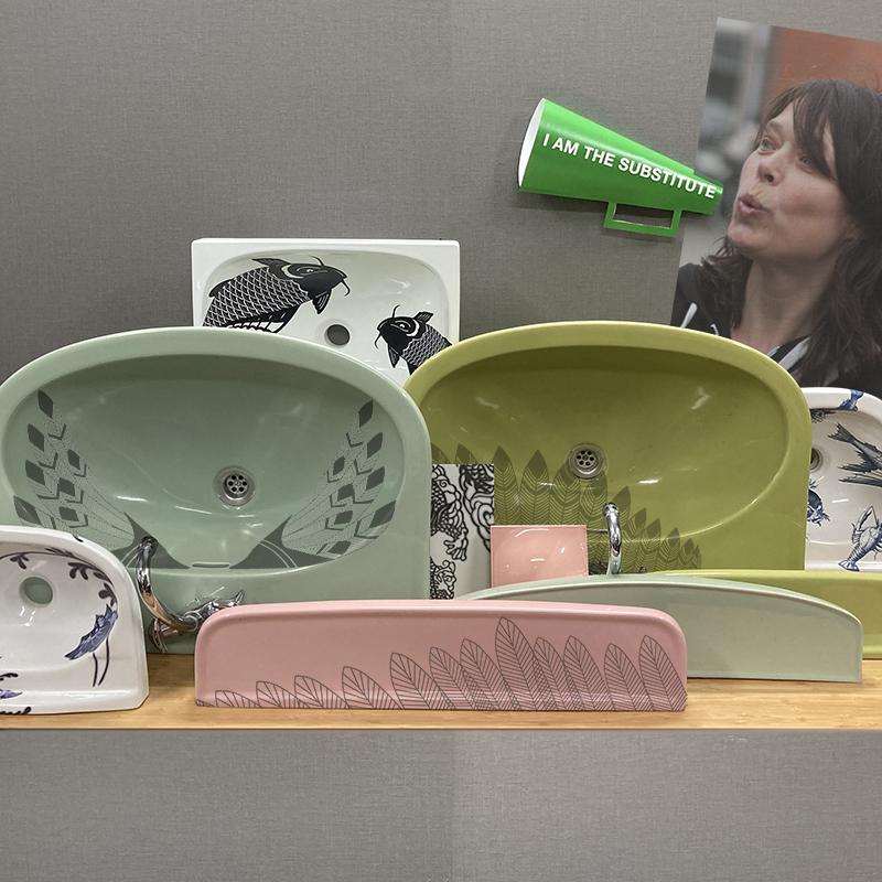 TATTOOsanitary wasbakken en toiletten met een design van Esther Derkx